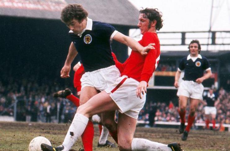 5 Penyebrang Dalam Laga Manchester United vs Liverpool - Ted MacDougall